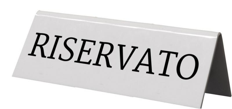 Securit® Reservation table stands with Italian: 'Riservato' - White Acrylic standards with black font - set of 5