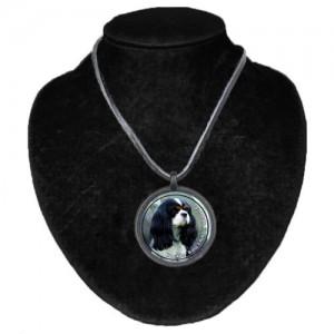 Halsband med Cavalier King Charles Spaniel