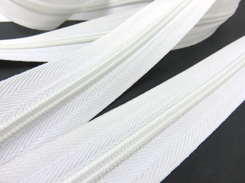 207 Continuous Coil Zipper Tape 5 mm white