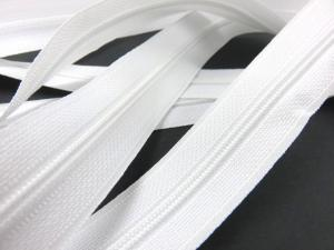 208 Continuous Coil Zipper Tape 4 mm white