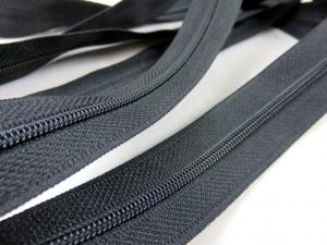 208 Continuous Coil Zipper Tape 3 mm black