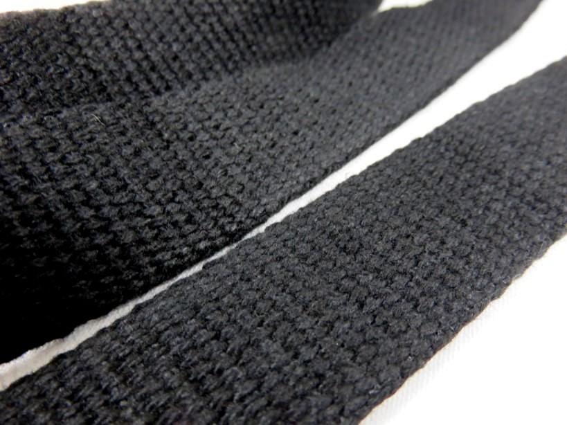 B1100 Kraftigt bomullsband 25 mm svart