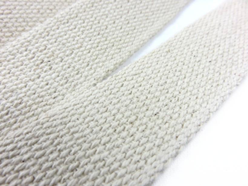 B1100 Kraftigt bomullsband 30 mm oblekt