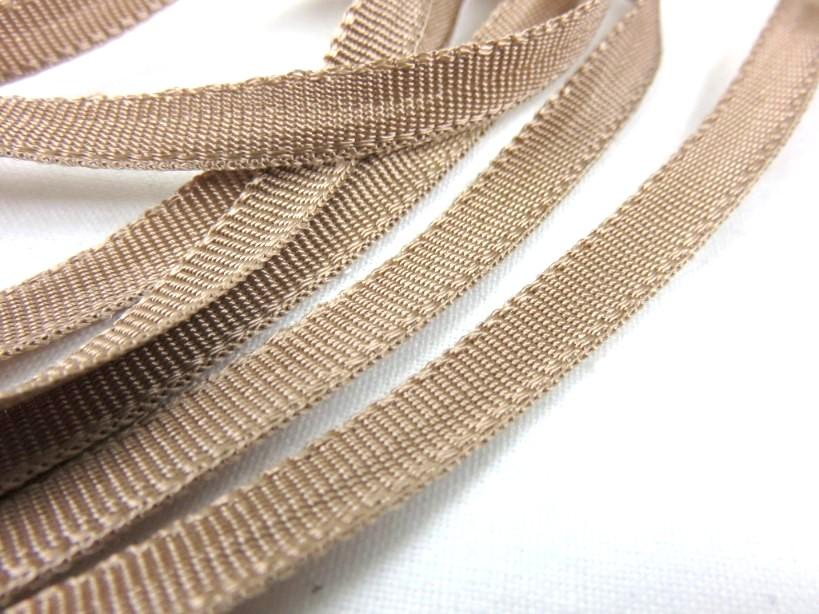 B262 Polyesterband 6 mm ljusbrun