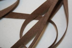 B330 Faux Suede Tape 8 mm brown (6,8 m)