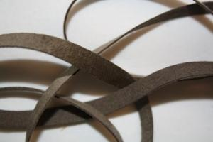 B330 Faux Suede Tape 8 mm brown (1,7 + 1,9 + 1,9 m)