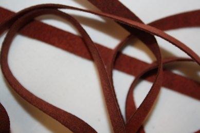 B330 Fuskmoccaband 8 mm röd (1,7 + 1,7 m)