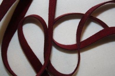 B330 Fuskmoccaband 8 mm röd (1 m)