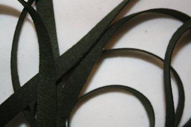 B330 Fuskmoccaband 8 mm mörkgrön (4,7 + 4,9 m)