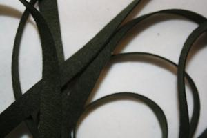 B330 Faux Suede Tape 8 mm dark green (4,7 + 4,9 m)