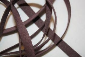 B330 Faux Suede Tape 8 mm purple (8 m)