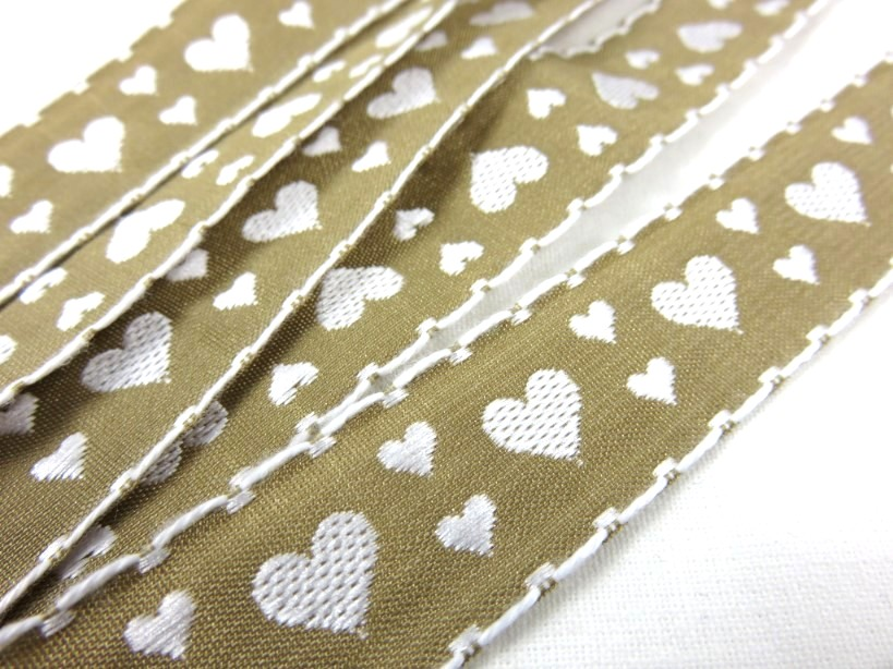 B353 Ribbon 20 mm Heart beige