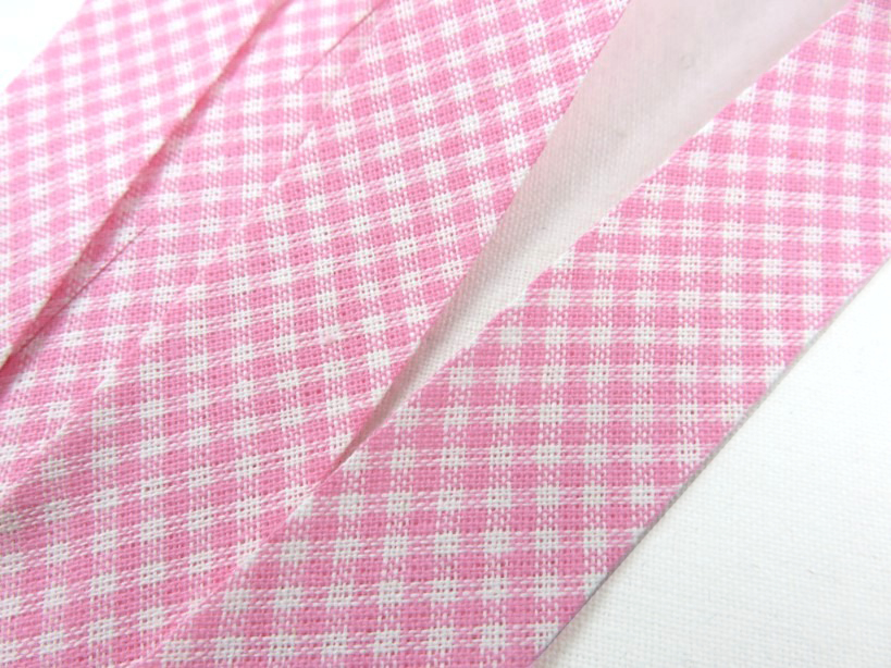 B364 Snedslå bomull 20 mm ruta rosa