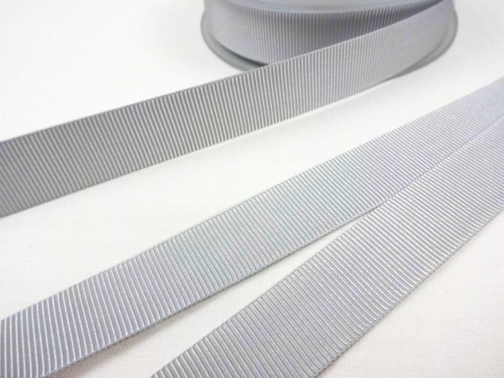 B437 Ripsband 18 mm ljusgrå