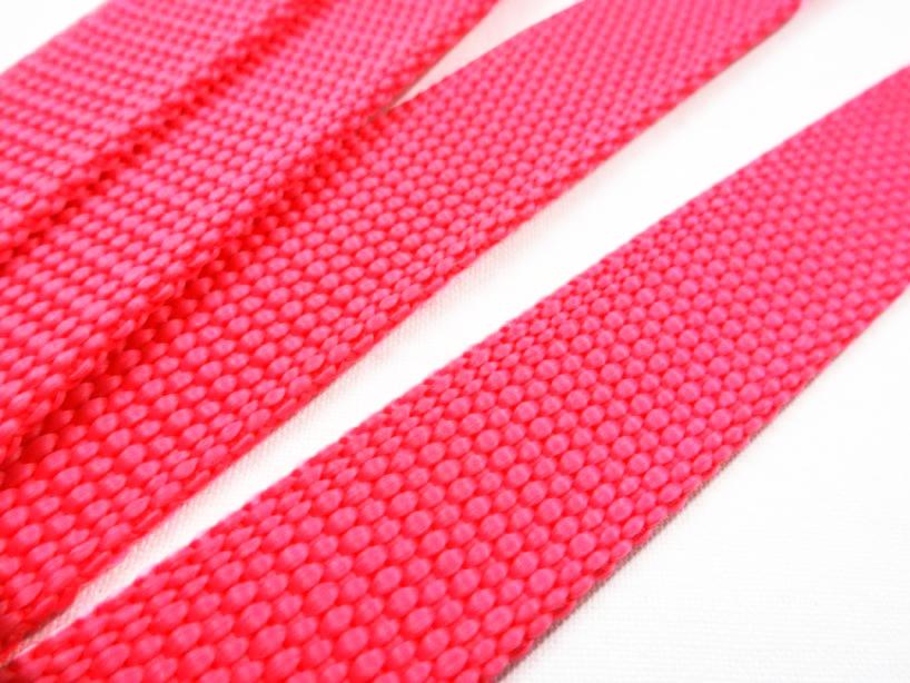 B440 Polypropylene Webbing 20 mm neon pink