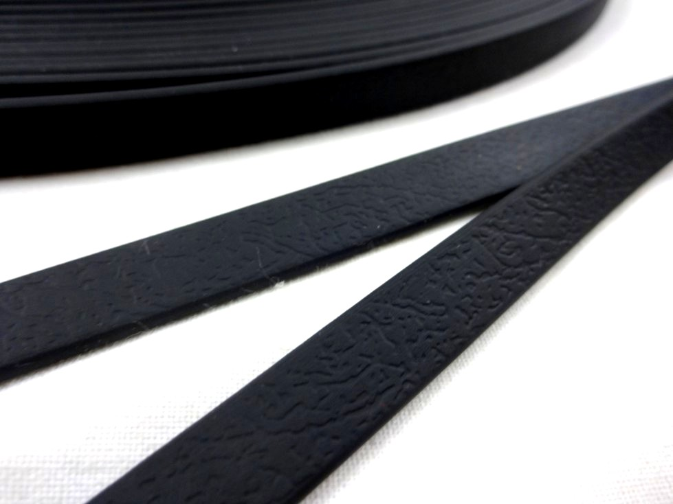 B456 Vattentåligt band 10 mm svart
