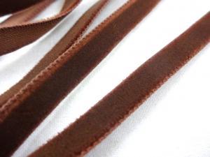 B509 Sammetsband 9 mm mörkbrun