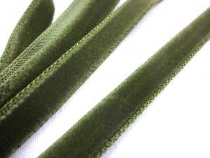 B509 Sammetsband 9 mm olivgrön
