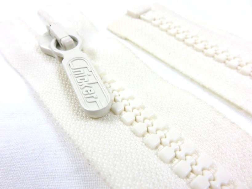 D010 Plastic Zipper 37 cm One-way Separating offwhite