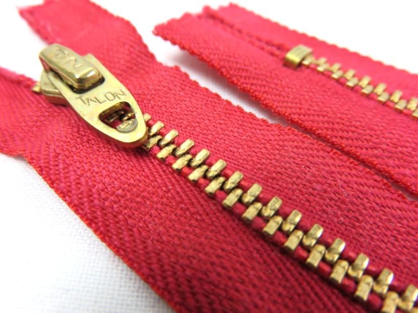 D063 Metallblixtlås 15 cm röd