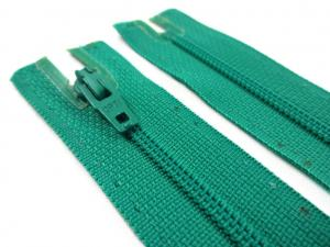 D072 Opti Coil Zipper 12 cm Closed End green