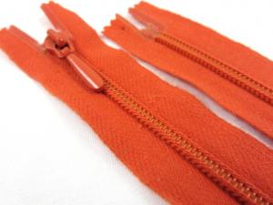 D105 Blixtlås 20 cm Opti 4 mm spiral ej delbar orange