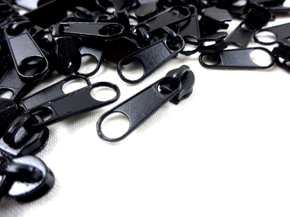 D201 Zipper Slider for Continuous Zipper D201 black