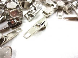 D202 Löpare till blixtlås metervara art D202 nickel