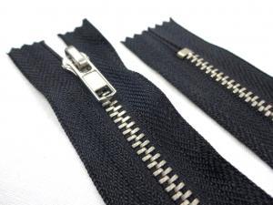 D359 Metal Zipper 20 cm Closed End black