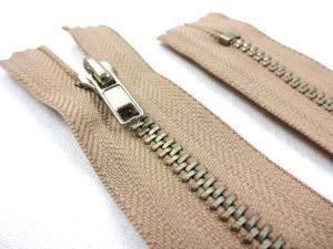 D359 Metal Zipper 20 cm Closed End beige