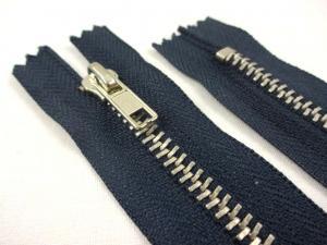 D359 Metal Zipper 20 cm Closed End dark blue