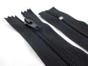 D360 Coil Zipper 20 cm Closed End black