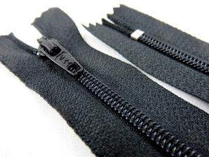 D700 Coil Zipper 30 cm Closed End black