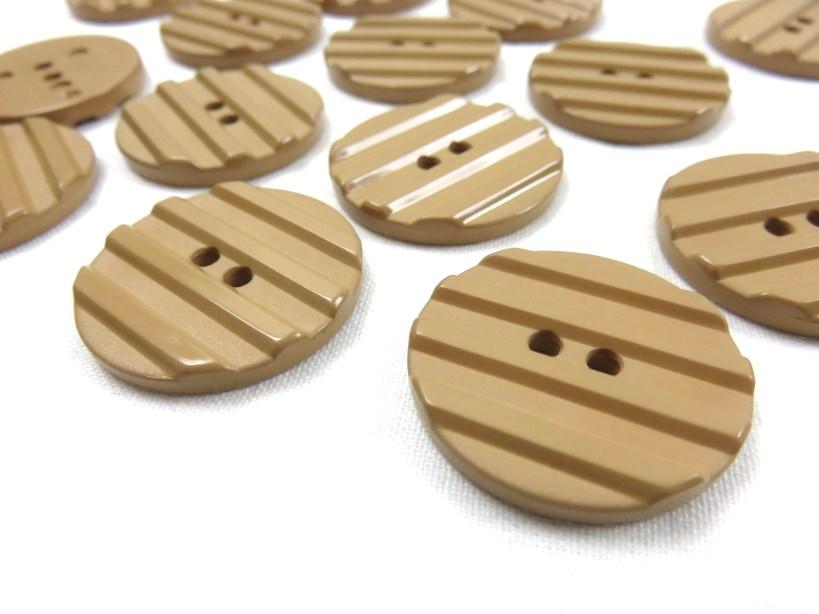 K001 Knapp 28 mm brun med ränder