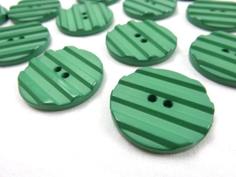 K001 Knapp 30 mm grön med ränder