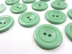 K002 Plastic Button 25 mm green