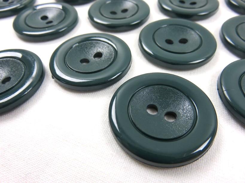 K002 Knapp 29 mm mörkgrön