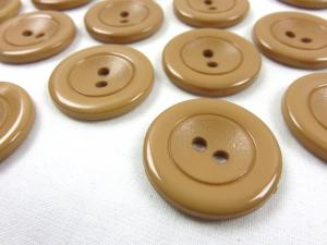 K002 Plastic Button 30 mm brown