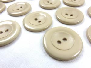 K002 Knapp 34 mm beige