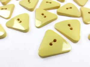 K003 Knapp 25 mm trekant gul