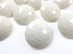 K006 Knapp 30 mm diamant ljusbeige