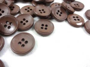 K013 Knapp 15 mm mörkbrun