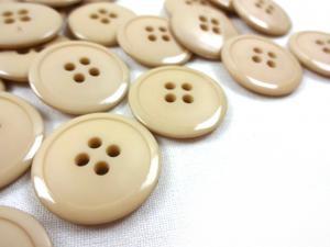 K020 Knapp 23 mm beige