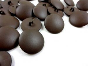 K033 Knapp 23 mm mörkbrun