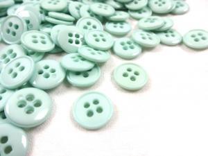 K037 Plastic Button 13 mm Basic light green