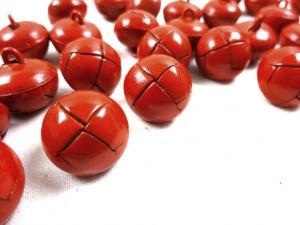 K098 Knapp konstläder 18 mm röd
