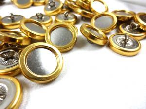 K127 Knapp metall 20 mm guld/silver