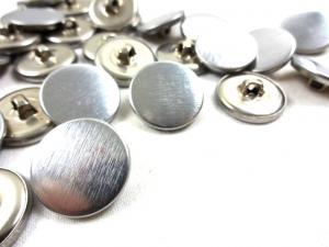 K134 Knapp metall 19 mm silver