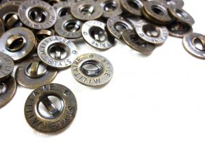 K137 Knapp metall Militaire Style 14 mm oxid