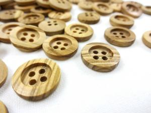 Olive wood button 15 mm